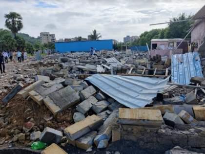 Mira Road 27 unauthorized constructions demolished at Mashacha Pada | मीरारोड : माशाचा पाडा येथील २७ अनधिकृत बांधकामे जमिनदोस्त