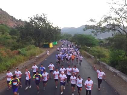 Thousands of runners will run today for their own fitness   स्वत:च्या फिटनेससाठी आज धावणार हजारो धावक
