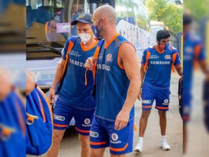 IPL 2021 Suspended: Mumbai Indians arrange multiple chartered flights to send back their players; offers help to other franchises too | IPL 2021 Suspended: मुंबई इंडियन्सचा नाद खुळा; स्वतःच्या चार्टर्ड फ्लाईट्सनं खेळाडूंना पाठवणार मायदेशी, अन्य फ्रँचायझींनाही मदतीची तयारी!