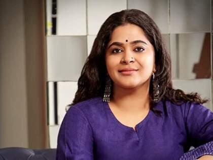 Ashwini Iyer Tiwari's novel 'Mapping Love' arrives, expresses happiness on social media   अश्विनी अय्यर तिवारी यांची कादंबरी 'मॅपिंग लव' आली भेटीला, सोशल मीडियावर व्यक्त केला आनंद