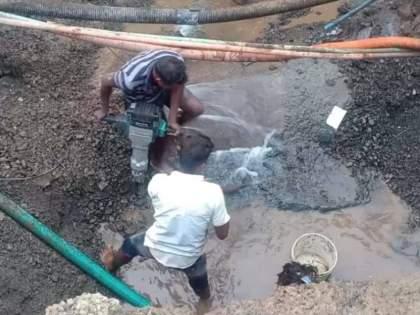 surya dam water supply pipeline bursts near mumbai ahmedabad highway   वसई-विरारला पाणी पुरवठा करणारी सूर्याची जलवाहिनी फुटली!, दुरुस्तीला २४ तास लागणार