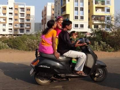 families with two children will get benefits of government schemes in uttar pradesh and assam | दोनपेक्षा अधिक मुलं असल्यास सरकारी योजनांचा लाभ नाही; 'या' राज्यांमध्ये लवकरच लागू होणार कायदा
