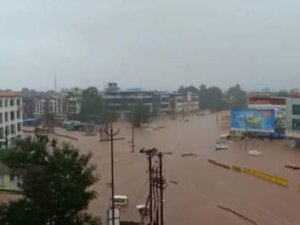 ratnagiri heavy rain flood in chiplun Jagbudi Vashishti river overflow rain updates | Chiplun Flood: ...अन् खाड्यांमधून पाणी वाहून जाण्याऐवजी आत येऊ लागलं; बघता बघता खेड, चिपळूण पाण्याखाली गेलं
