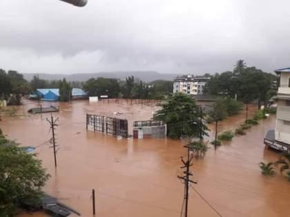 Rain Live Updates: Flood situation in many places, even rivers crossed the danger level | Rain Live Updates: रत्नागिरी, रायगडमध्ये नौदल, लष्कराच्या तुकड्या दाखल; मदतकार्याला सुरुवात