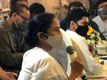 Mamata banerjee targets pm narendra modi said 2024 general election will be modi vs country   Mamata Banerjee: संपूर्ण देशात 'खेला' होणार, २०२४ ची निवडणूक मोदी विरुद्ध संपूर्ण देश अशी रंगणार!; ममता बॅनर्जींचा एल्गार