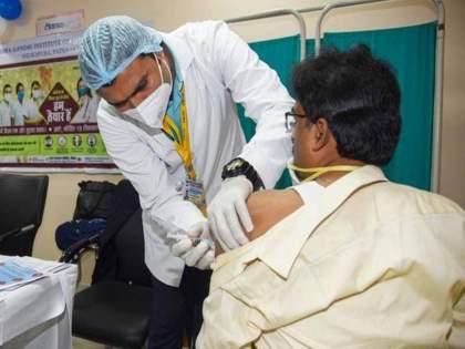 Corona Vaccination Bihar Bhojpur Elederly Man Claims Gets 4 Times Vaccine | बेजबाबदारपणाचा कळस! अनेकांना एक डोस मिळेना; इथे एकाच व्यक्तीला दिले चार डोस अन् मग...