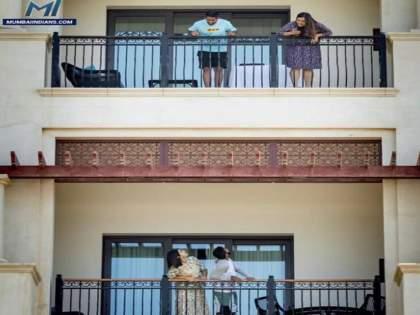 ipl 2021 mumbai indians shares photo of jasprit bumrah and suryakumar yadav with funny caption | IPL 2021: अहो, तुमच्याकडे पाणी येतंय का?; सूर्या बुमराहला वरून आवाssज देतो तेव्हा...