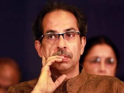 in chandrapir 7 shiv sena councillor joins congress 12 more likely to join soon | माजी शिवसैनिकाचा दे धक्का; ७ नगरसेवक फोडले, १२ जणांचा काँग्रेस प्रवेश रोखताना सेनेच्या नाकीनऊ