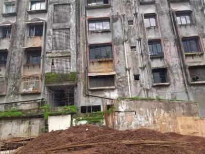 Anand Palace building in Ulhasnagar fear among citizens as cracks seen in building | उल्हासनगरातील आनंद पॅलेस इमारतीला तडे, नागरिकांमध्येभीती; इमारत केली रिकामी