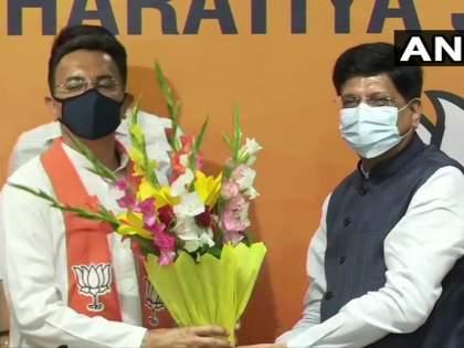 Congress leader Jitin Prasada joins BJP in the presence of Union Miniter Piyush Goyal   Jitin Prasad:... म्हणून काँग्रेससोबतचा तीन पिढ्यांचा संबंध तोडला; जितिन प्रसाद यांचा भाजपात प्रवेश