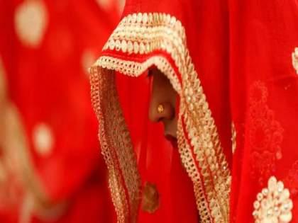 Reverse Love Jihad in UP; Hindu Boy Marriage with Muslim Girl by Fraud, Police Investigate   प्रेम जडलं अन् निकाह केला; लग्नातील सामान नेण्यासाठी गाडी आल्यानंतर नवऱ्याची झाली पोलखोल