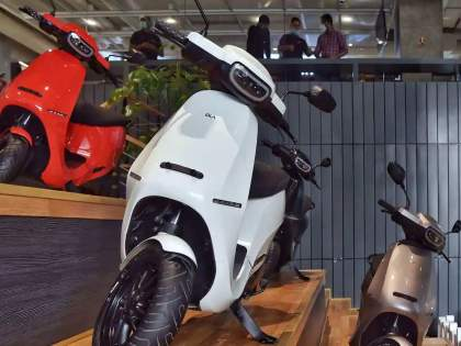Ola Electric scooter price in Maharashtra, Pune mismatching; difference is huge after subsidy which shows on website | OLA Electric Scooter: ओला स्कूटरचा गौडबंगाल! किंमत दाखवतेय एक, घेतेय भलतीच