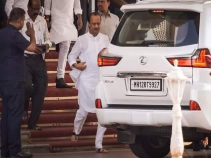 Ajit Pawar asked the liftman in the mantralay, how much salary do you get? Upset hearing the answer | मंत्रालयातील लिफ्टमनला अजित पवारांनी विचारलं, किती पगार मिळतो तुला? उत्तर ऐकून झाले अस्वस्थ