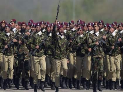pakistan senate member raja zafar ul haq claims that pakistan army training hamas against israel | Israel Hamas Conflict: पाकिस्तान सैन्याकडून हमासला प्रशिक्षण!; खासदाराच्या दाव्याने खळबळ