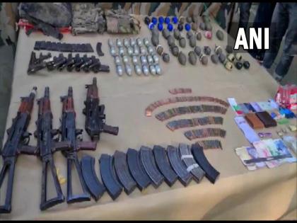 3 terrorists killed in Uri of Jammu and Kashmir; 5 AK-47s, 8 pistols and 70 grenades seized | जम्मू-कश्मीरच्या उरीमध्ये सुरक्षा दलाकडून 3 दहशतवाद्यांना कंठस्नान; 5 AK-47, 8 पिस्तूल आणि 70 ग्रेनेड जप्त