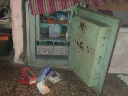 Three burglars at Pipalkhuta; Lampas looted Rs 1.5 lakh | पिंपळखुटायेथे तीन घरफोड्या; दीड लाख रुपयांचा ऐवज लंपास