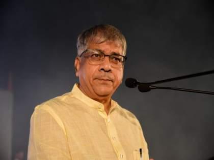 ... You can understand who put the fork; Prakash Ambedkar's attack on Congress-NCP | ...कोणी काटा घातला असेल हे तुम्ही समजू शकता; प्रकाश आंबेडकरांचा काँग्रेस-राष्ट्रवादीला टोला