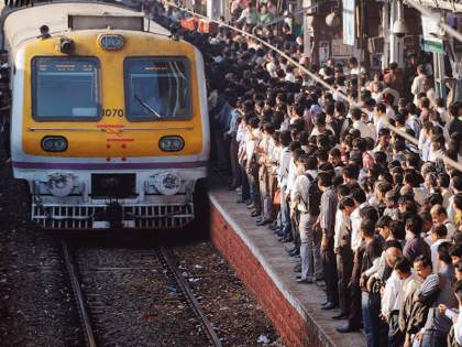 Mumbai Railway Updates: Angry passengers 10 days ultimatum to central railway administration   Mumbai Railway Updates: 'मरे'मुळे रोजच 'लेट मार्क'; संतप्त प्रवाशांनी दिला 'अल्टिमेटम'