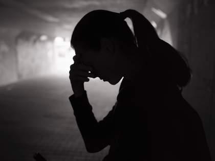 Disgrace to father-daughter relation and khaki uniform; The police officer raped his own daughter | नात्याला आणि खाकी वर्दीला काळिमा; पोलिस कर्मचाऱ्याने स्वतःच्या मुलीवरच केला अत्याचार