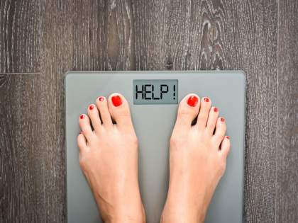 Stress is a serious thing that causes you to weight gain, know how to loose obesity caused by stress   'ही' गंभीर गोष्ट ठरतेय तुमच्या वाढत्या वजनासाठी कारणीभूत...वाचून बसेल धक्का!