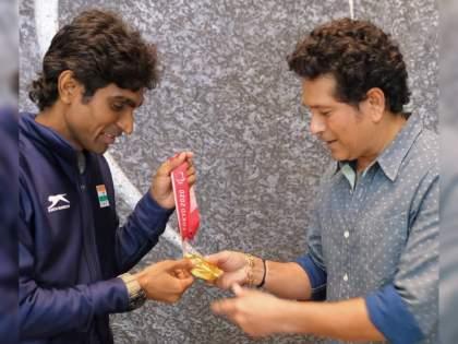 I learnt to stay calm under pressure from Sachin Tendulkar: Pramod Bhagat | पॅरालिम्पियन प्रमोद भगतच्या ऐतिहासिक विजयात सचिन तेंडुलकरचा मोठा वाटा; भेटीदरम्यान सांगितला किस्सा