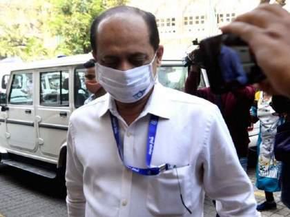 Open Heart Surgery done on sachin vaze, outside Mumbai Wockhardt Hospital in Mumbai Central   सचिन वाझेवर ओपन हार्ट सर्जरी, मुंबई सेंट्रलच्या वोकहार्ट रुग्णालयाबाहेर होता पोलिस बंदोबस्त