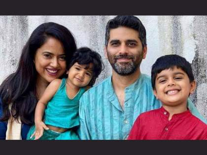 Sameera Reddy's entire family, including Chimuradya, stuck in Corona's lap   चिमुरड्यांसह समीरा रेड्डीचं संपूर्ण कुटुंब अडकले कोरोनाच्या विळख्यात, असा करताहेत सामना