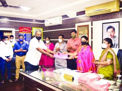 Corona virus in Sindhdurg: Zilla Parishad will provide insurance cover to Sarpanch from its own funds | Corona virus In Sindhdurg : जिल्हा परिषद स्वनिधीतून सरपंचांना देणार विमा कवच