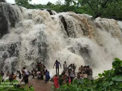Sawdaw Falls is also closed for tourism this year | सावडाव धबधबा याही वर्षी पर्यटनासाठी बंद
