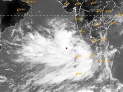 Cyclone Tauktae : 'Tauktae' cyclone transforms into a severe cyclone; 'Yellow Alert' in Sindhudurg, Ratnagiri, Raigad, Kolhapur, Satara   Cyclone Tauktae : 'तौत्के' चक्रीवादळाचे तीव्र चक्रीवादळात रुपांतर; सिंधुदुर्ग, रत्नागिरीसह 'या' भागात 'येलो अलर्ट'