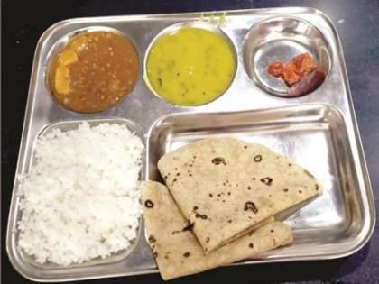 'Free' Shivbhojan Thali started by Mahavikas Aghadi government closed; Now you have to pay 10 rupees | शिवभोजन थाळी इथून पुढंही मोफतच मिळणार; शासन निर्णयात बदल नाही