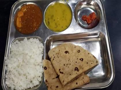 free shivbhojan plate close from 1 October   मोफत 'Shivbhojan' थाळी बंद; १ October पासून मोजावे लागणार १० रुपये