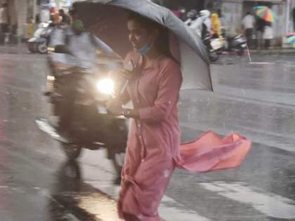 In Nagpur, it is sparse and sometimes very rainy | नागपुरात कुठे तुरळकतर कुठेबऱ्यापैकी पाऊस