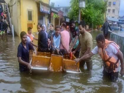 Maharashtra Flood: Ratnagiri, Chiplun flooded, 2 NDRF teams along with Coast Guard to come for help - Vijay Vadettiwar | Ratnagiri Flood: रत्नागिरी, चिपळूणला पुराचा वेढा, NDRF च्या २ टीमसह कोस्टल गार्डही मदतीसाठी येणार – विजय वडेट्टीवार