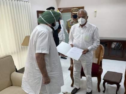 Punjab CM Captain Amarinder Singh submits resignation to Governor Banwarilal Purohit | Captain Amarinder Singh: पंजाबमध्ये राजकीय भूकंप; कॅप्टन अमरिंदर सिंग यांचा मुख्यमंत्रिपदाचा राजीनामा
