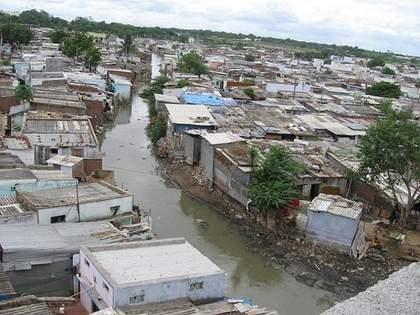 22 slums in Nagpur at risk due to heavy rains | अतिवृष्टी झाल्यास नागपुरातील २२ झोपडपट्ट्यांना धोका