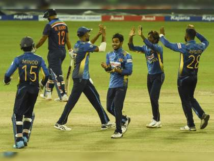 IND vs SL 3rd ODI Int Live Score : Avishka Fernando score 76 runs; Sri Lanka won by 3 wickets, India won series by 2-1  | IND Vs SL 3rd ODI Live : श्रीलंकेनं राखली लाज; पाच नवख्या खेळाडूंसह मैदानावर उतरलेल्या टीम इंडियाला दिली मात!