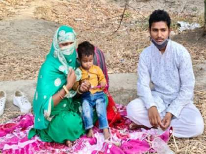 Lover Adopted Girlfriend Sitting On Dharna, Family Members Did Not Enter In Jaunpur   ...म्हणून २ वर्षाच्या मुलासह प्रेयसी प्रियकराच्या घराबाहेर ४ दिवस ठाण मांडून बसली; नेमकं काय घडलं?
