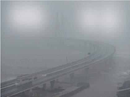 Tauktae Cyclone: Mumbaikars shocked by heavy rains; It rained with gusts of wind | Tauktae Cyclone: मुंबई तुंबली!पावसाचा वेग वाढल्याने मुंबईकरांना भरली धडकी;वादळी वाऱ्यांसह पावसाने झोडपले