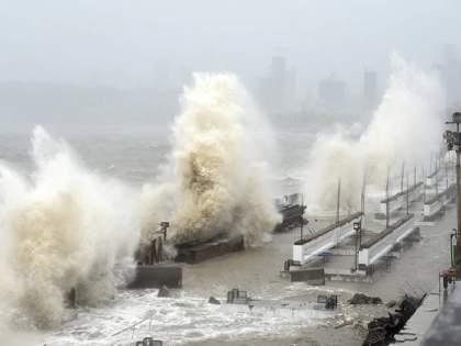 Tauktae Cyclone: Major damage in Mumbai, Konkan; Late at night, the storm hit the coast of Gujarat   Tauktae Cyclone:तौक्तेचा तडाखा!मुंबई, कोकणात मोठे नुकसान;रात्री उशिरा वादळ गुजरातच्या किनाऱ्याला धडकले