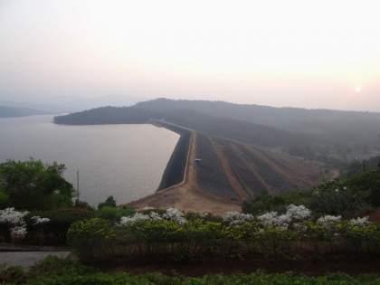 Tilari river is at At the danger level, dam started discharging 40,000 cusecs | तिलारी नदी धोका पातळीवर, धरणातून 40 हजार क्युसेक्स विसर्ग सुरू