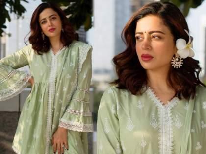 Neha pendse shared the new promo of the show bhabhi ji ghar par hai | 'भाभी जी घर पर है'मध्ये नवी गोरी मेम नेहा पेंडसेने फॅन्सना केलं घायाळ, नवा प्रोमा आऊट