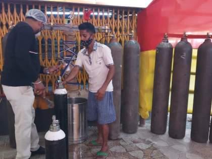 Coronavirus: Mahavir Mandir in Patana provides free oxygen to hundreds of needy Corona positive people every day | Coronavirus : या मंदिरातूनमोफत पुरवला जातोय ऑक्सिजन, दररोज शेकडो गरजूंना होतोय लाभ