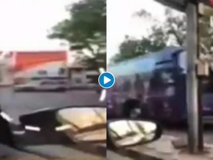 IPL 2021 : Ambulance stopped for IPL convoy to pass in Ahmedabad; video goes viral but police denies | IPL 2021 : अहमदाबादमध्ये खेळाडूंची बस जाण्यासाठी अडवली रुग्णवाहिका; Video व्हायरल, ऐका पत्रकार काय म्हणतो ते