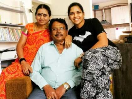 Shocking : 2 weeks after her mother's demise, Veda Krishnamurthy loses her sister to COVID-19 | Shocking ; Veda Krishnamurthy : भारतीय क्रिकेटपटूवर कोसळला दुःखाचा डोंगर; कोरोनामुळे आईपाठोपाठ बहिणीचेही झाले निधन