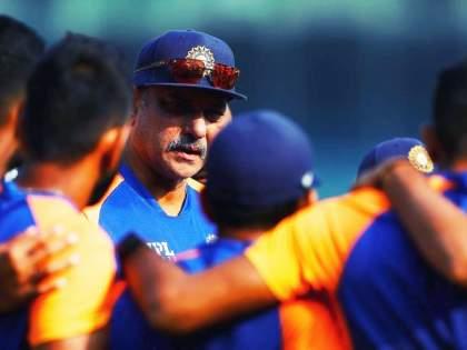 WTC Final 2021 : Team India Head coach Ravi Shastri share a video, give training to dog | WTC Final 2021 : भारताचे हेड कोच रवी शास्त्री खेळाडूंसह Winston लाही देत आहेत प्रशिक्षण, Video