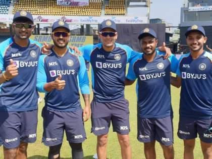 IND vs SL 3rd ODI Int Live Score : Sanju Samson, Nitish Rana, Chetan Sakariya, K Gowtham and Rahul Chahar making their ODI debut today, India opt to bat first | IND Vs SL 3rd ODI Live : टीम इंडियानं तिसऱ्या सामन्यात पाच जणांना दिली पदार्पणाची संधी; 1980नंतर घेतला गेला धाडसी निर्णय!
