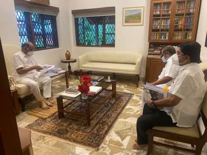 maharashtra union office bearers met Sharad Pawar regarding pending issues of ST   ST च्या प्रलंबित मुद्द्यांसंदर्भात कामगार संघटनेच्या पदाधिकाऱ्यांनी घेतली शरद पवारांची भेट
