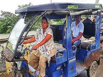 after death of husband woman started driving e rickshaw to support her family   हृदयस्पर्शी! पतीचा कोरोनाने मृत्यू झाला पण 'तिने' हार नाही मानली; ई-रिक्षा चालवून भरतेय कुटुंबाचं पोट