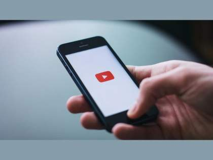 Youtube mobile app is rolling out new translation feature for android and ios users | YouTube ने आणले भन्नाट फिचर, कमेंट करणे आणि वाचणे होणार सोप्पे